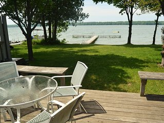 Three Bedroom Lake House with Boat Dock