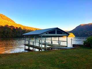 Newly Listed!....A Perfect Getaway On The Water With Beautiful Gorge Views!
