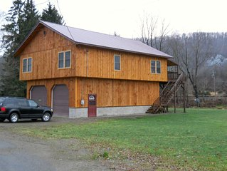 6 yr old home sleeps 10 and perfect for 2 families!  1.5 from Holiday Valley