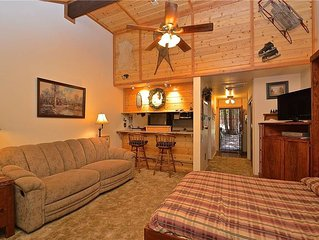 The Treehouse Condominium: 0.5 BR / 1 BA  in Shaver Lake, Sleeps 2