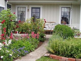 Private Garden Cottage In Mendocino's Historic Preservation District