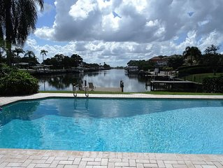 Bay front Dolphins -Skipper & Gilligan's Island House  - Pool, Golf, Gulf Access