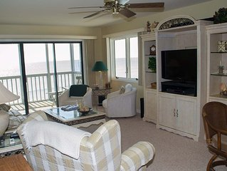 Great Oceanfront Condo! 2 BR with WiFi and pools!