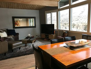 Ski in Ski out! Centrally located in Aspen by lift 1A