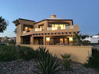 Gorgeous Gated 4200sq Ft *5 Star* 5 Bed 5Bath Sandy Beach Home