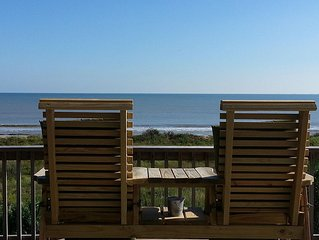 Beach Front Home! Great View! Quiet Location! WIFI & ROKU provided