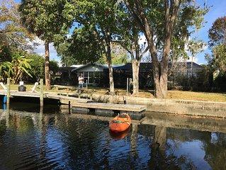 Crystal River, Large Dock, Screened Pool, Below Kings Bay, Sleeps 10, Peaceful!!