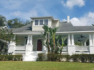 Downtown Lakeland Historic Bungalow on Lake Morton - Walk & Bike friendly