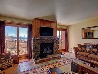 Beautiful Condo Sleeps 8.  Gorgeous Views in Quiet Setting.  Wood Fireplace, HD