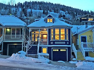 Modern Wired Home, right behind Main Street & two blocks up from the Town Lift