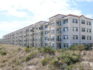 DR 1110 - Wonderful first floor spacious oceanfront condo near the pool