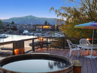 Private HotTub, Wood Burning Fireplace, Waterfront, Casinos, Heavenly Valley,