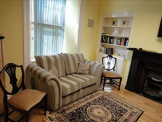 Top Notch Apt, perfect for 1 to 2+ Adults, at the heart of Town!