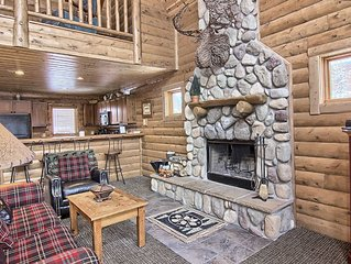 4BR Mtn Cabin - Skiers Paradise, Slope Side, Sleeps 13, Wood Burning Fire