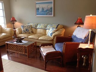 Royal Harbor - NEW LISTING!!  Walk to 5th Ave South  2 miles to the Beach.