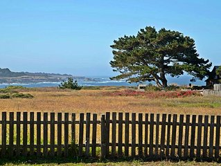 MENDO VILLAGE COTTAGE, QUIET, PRIVATE, OCEAN VIEW