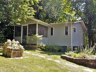 Cozy Cottage Nestled On The Bluff In The Heart Of Ephraim