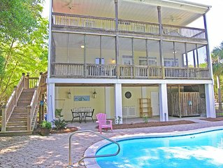 Beach House with Pool, Dog Friendly, 3 Large Porches, Easy Walk to Beach, 5 BR