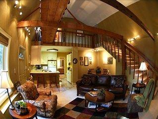Cozy 2-BR Cottage with catwalk/loft