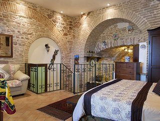 Hilltop Medieval Escape with Panoramic View (Cleopatra Apartment)