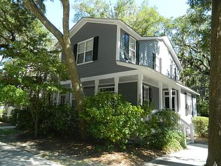 Beautiful Townhouse 2 Miles From Parris Island Entrance!