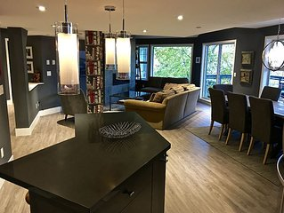 Whistler Winter Wonderland ~ Newly Remodeled 4BR/3BA Townhouse with Hot Tub