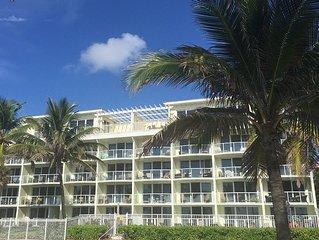 Direct Oceanfront Luxury-Newly Redone! Satisfaction Guaranteed