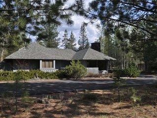 Newly renovated modern Sunriver retreat