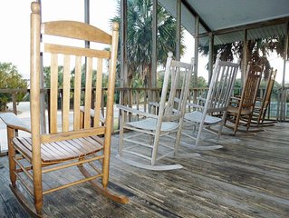 Beach house across from Beach Access has Screened Porch with Rockers & Sun Room