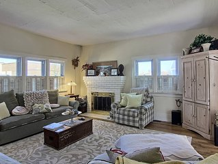 Adorable 3BR Home Seconds From Downtown Charlevoix