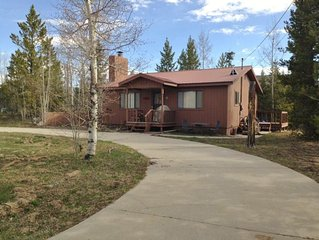 Great home in Columbine Lake! Sleeps 6 and plenty parking for outdoor toys!