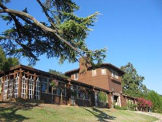 Amazing Turn-of-Century Stable Remodeled Lodge 13 min to Healdsburg