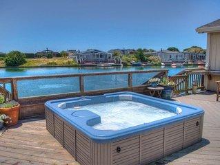Beautiful Lightfilled Seadrift Home on the inner lagoon