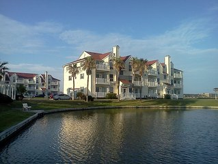 Condo in North Padre Island, Gorgeous&Relaxing complex.Walking to the beach.