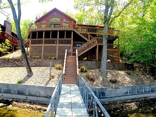 The Perfect Lake House- beautiful 4bdrm/3bath right on the water!
