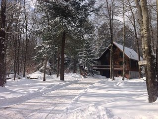 Peaceful & Quiet Winter Retreat. Enjoy a warm fire and view the iced over lake.