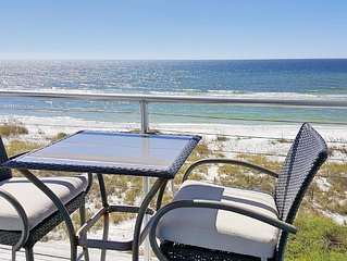 Gulf-front, entrancing views, hot tub,close to state park, upscale home