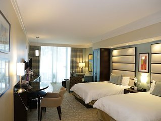 Best Rates!!! Fontainebleau Sorrento Jr. Suite 660 Sq Ft 2 Queen beds w Sofabed