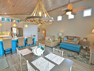 Studio 589--Coastal Chic All the Comforts of Home, Heart of Downtown Cedar Key