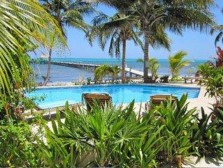 Villa Natalia, Spectacular Beachfront Penthouse 3Bd/3Ba, Beach Pool, Pier Palapa
