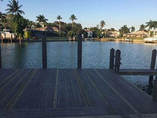 SUMMER SPECIAL -PRIVATE WATERFRONT HOME-WALK TO BEACH, SHOPPING AND MORE