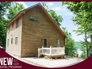 "Skyline Oaks - ""Incredibly Private, Modern Cabin on Keuka Lake"""
