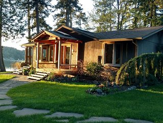 Westcott Bay Waterfront pet friendly home. just minutes from Roche Harbor.