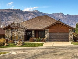 Executive Home at base of Powder Mountain Resort on Wolf Creek Golf Course