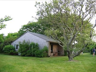 Lovely Cape Cod Cottage, Large Private Yard, Close to Nauset