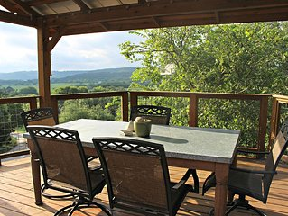 Coolview Cabin- Historic Hillside Retreat on 10 Scenic Acres!