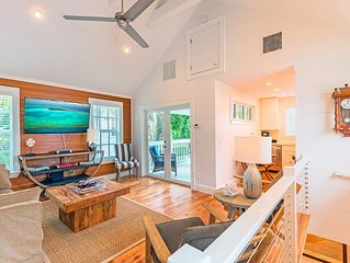 Petite Maison - Key West Cottage: Sleeps 4 Steps from Everything! Parking Too