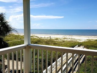Gulf-front,Pet Friendly, Spacious Private Pool, Ramp, screened porch