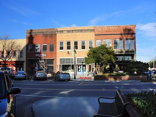 Downtown Loft in the Heart of Historic Hendersonville!  Best Main St Location!