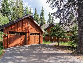 Dazzling luxury resort chalet, with mountain view, 3 bedrooms, 3.5 baths, and p